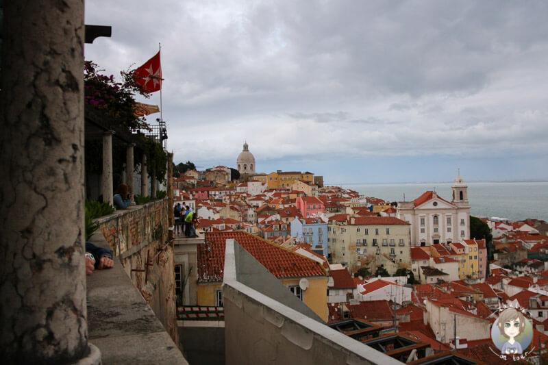 Der Santa Luzia Miradouro in Alfama, Lissabon