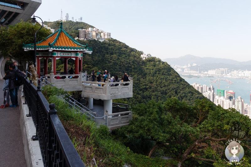 Die kleine Aussichtsplattform neben dem Peak Tower auf dem Peak in Hongkong