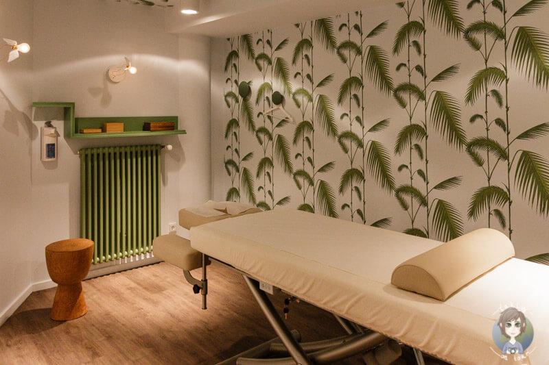 Der gruene Behandlungsraum bei Myssage waehrend meiner Massage in Koeln