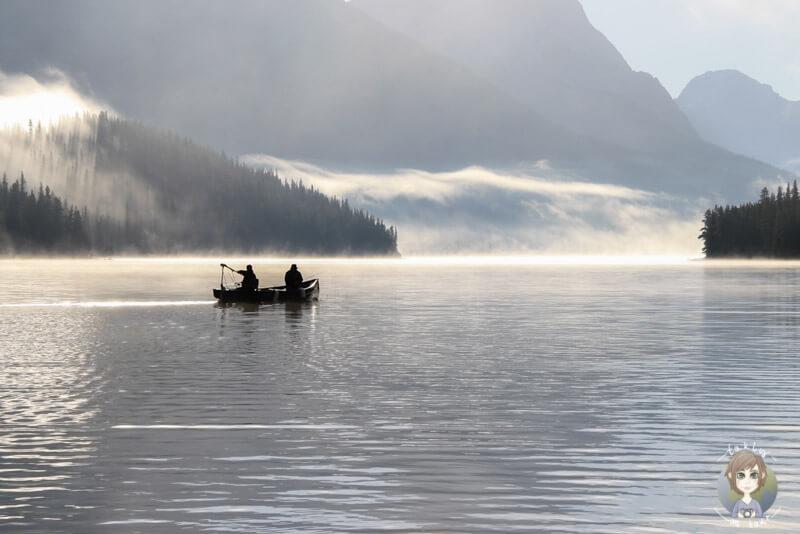 Angler auf dem Maligne Lake, Jasper National Park, Kanada