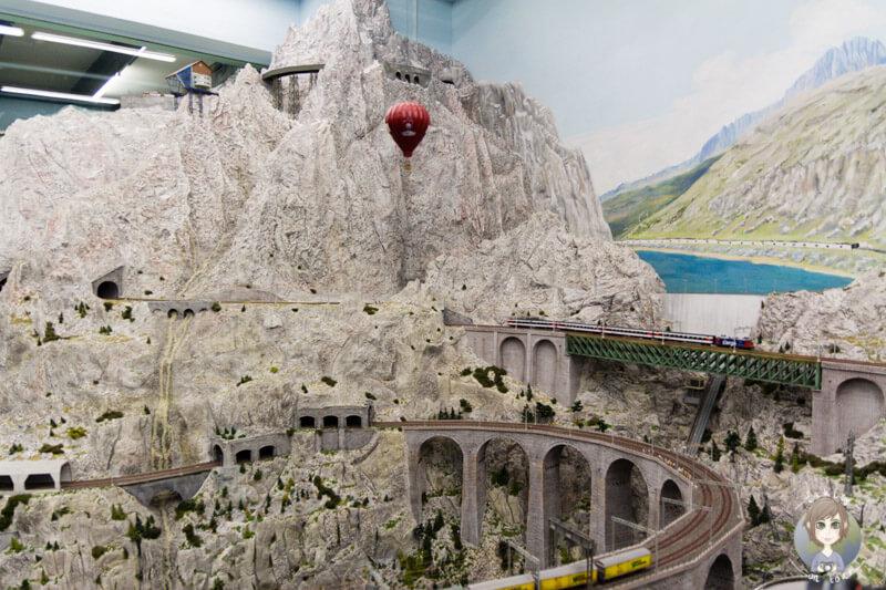 Die Bergwelt der Schweiz im Miniatur Wunderland Hamburg, Deutschland