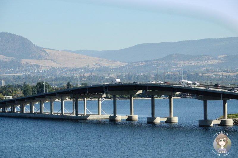 Die William R. Bennett Bridge in Kelowna, BC, Kanada