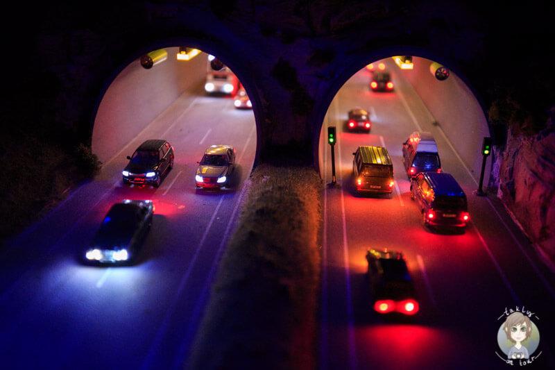 Ein Tunnel mit Beleuchtung im Miniatur Wunderland HH