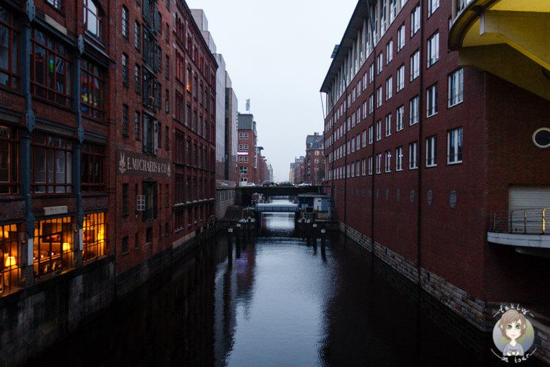 Einer der zahlreichen Fleets in Hamburg