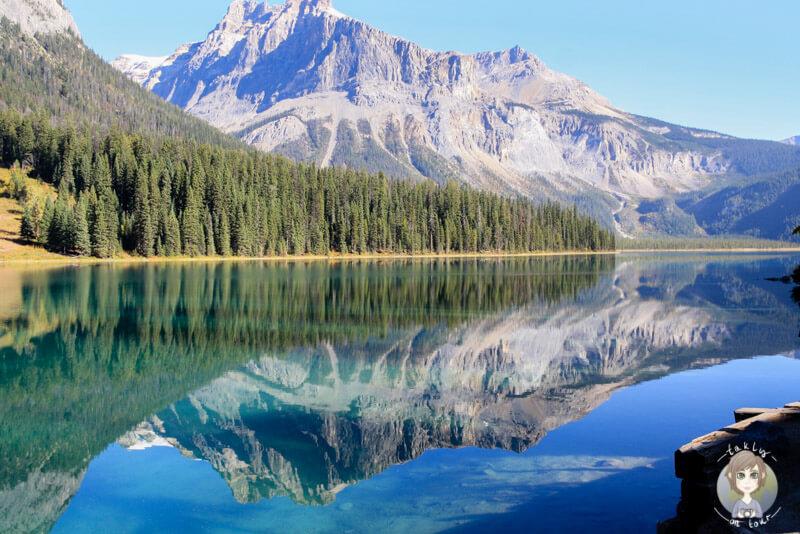 Einer der ersten Blicke auf den Emerald Lake, Yoho National Park, Kanada
