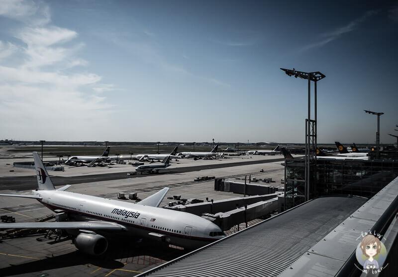 Ein Blick von der Aussichtsterrasse am Frankfurter Flughafen