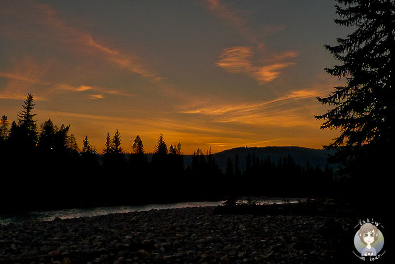 Sonnenuntergang am Waitabit Creek, Kanada