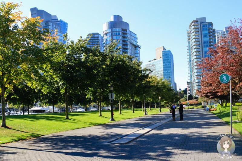 Spaziergang über die Promenade in Vancouver