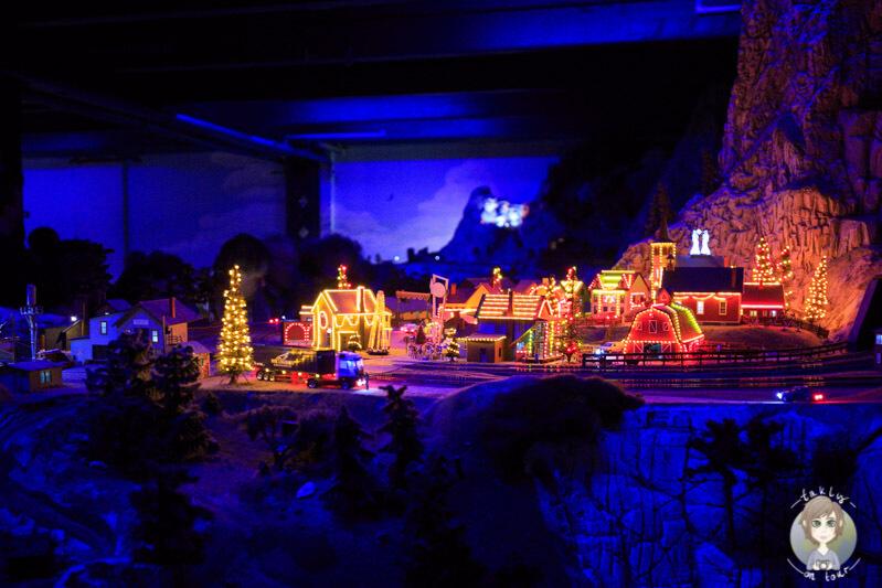 Weihnachtsbeleuchtung in den USA im Miniatur Wunderland