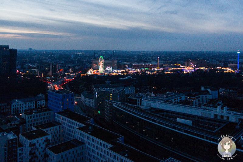 Blick auf die Osterkirmes in Hamburg
