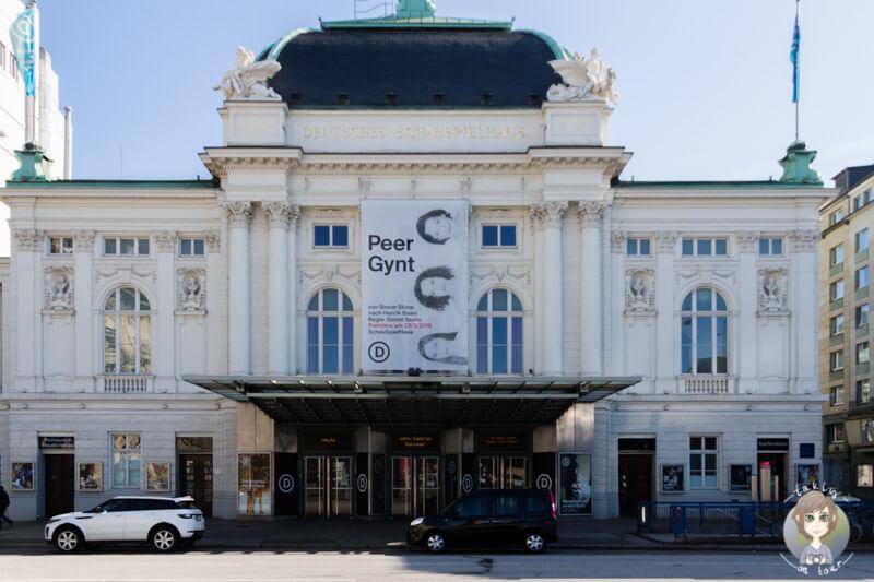 Das deutsche Schauspielhaus in Bahnhofsnähe in Hamburg