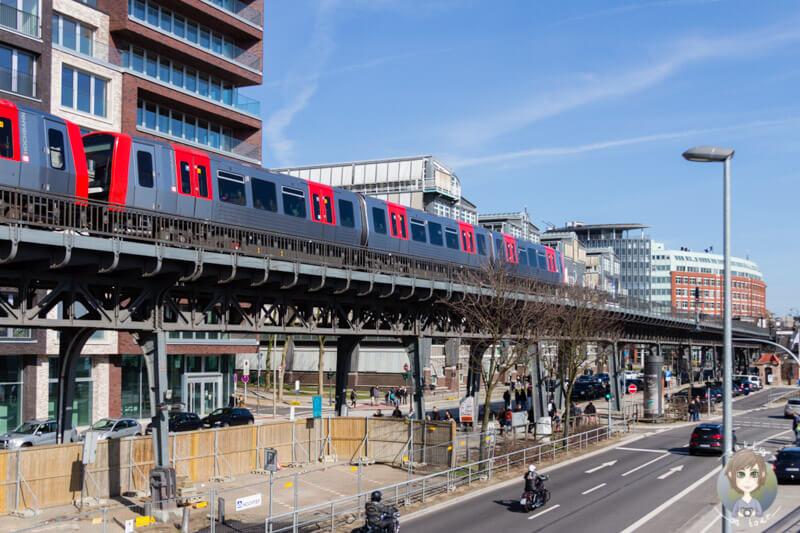 Die Hochbahn in Hamburg