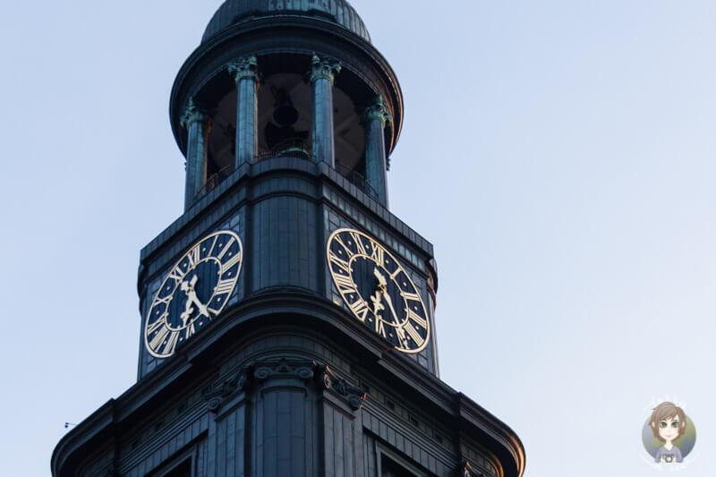 Die Turmuhr vom Michel in Hamburg
