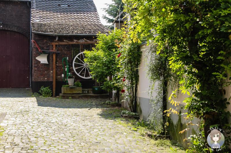 Ein schöner Hinterhof in Zons am Rhein