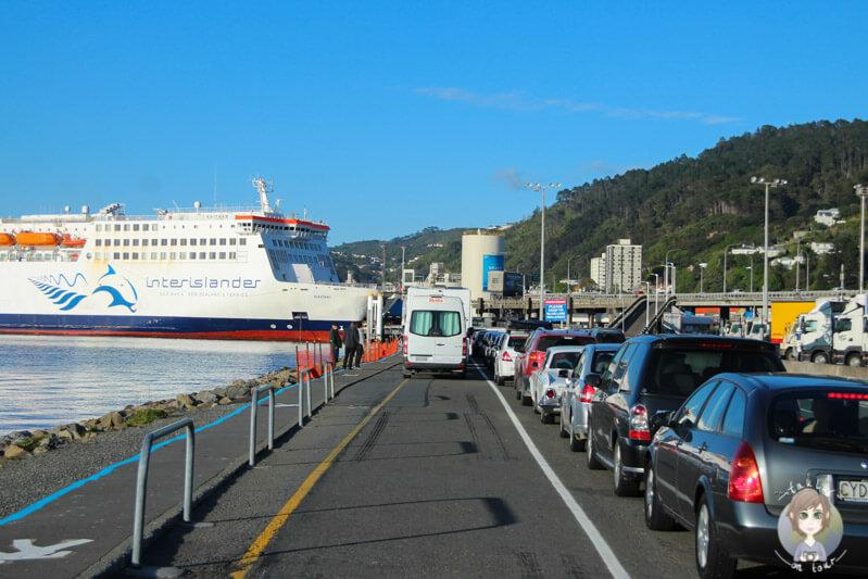 Mit dem Camper in Neuseeland auf der Fahrt auf die Interislander