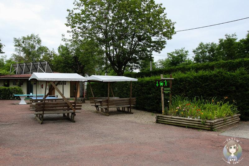 Ausreichend Platz für Kinder und Erwachsene auf dem Campingplatz