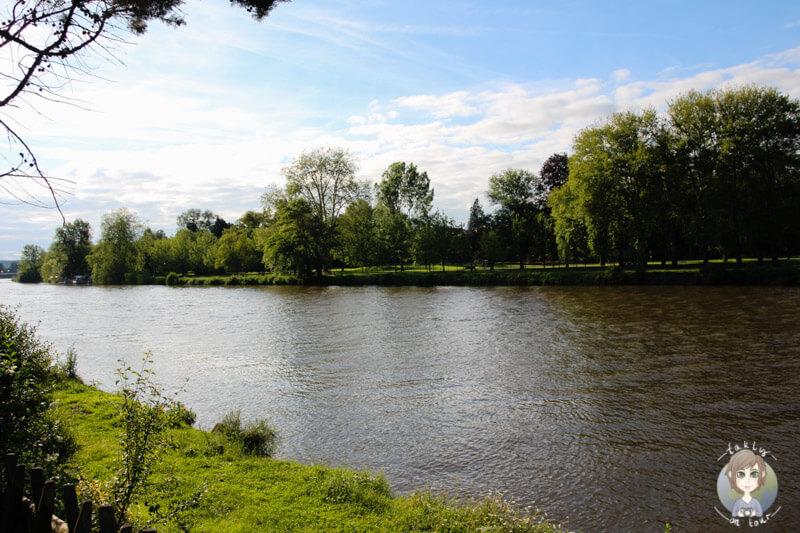 Ein schöner Blick über den Fluss Allier, Vichy, Frankreich