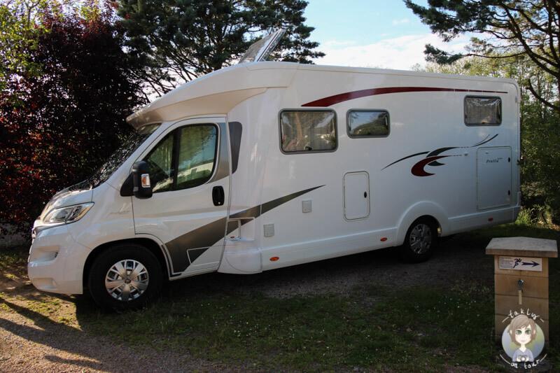 Stellplatz Camping Car, Camping Beau Rivage, Auvergne, Frankreich