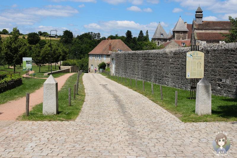 Auf dem Weg zum Kloster Chantelle, Frankreich