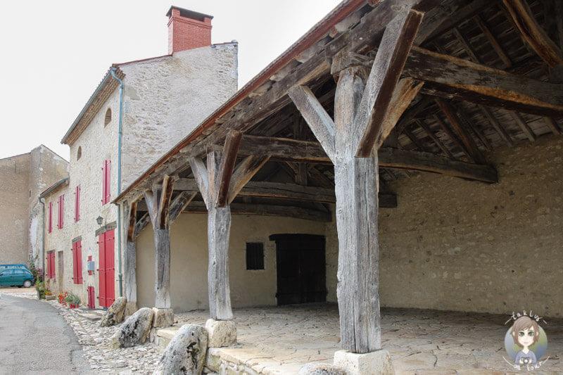Die Markthalle von Charroux