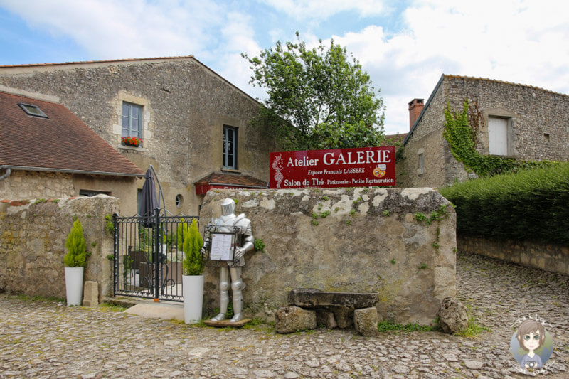 Eine Kunstgalerie in Charroux, Frankreich