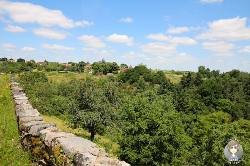 Eine tolle Aussicht vom Klostergarten Chantelle, Auvergne