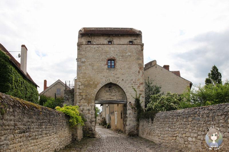 Das zweite Stadttor von Charroux, La Porte d'Orient
