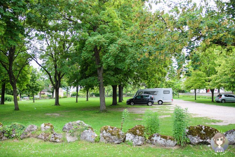Kostenloser Parkplatz und Campingplatz in Charroux, Frankreich