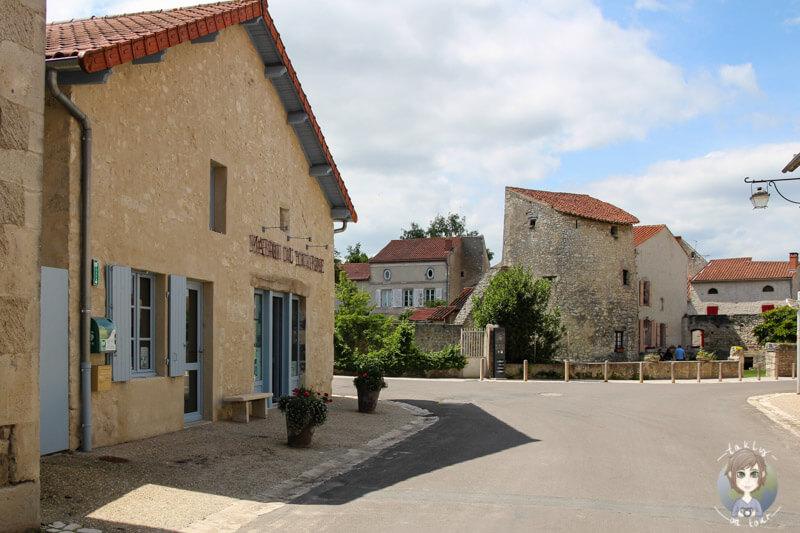 Touristenbüro in Charroux, Auvergne, rankreich
