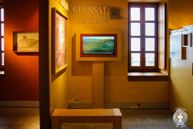 museum-nahe-des-tempels-merkus-puy-de-dome-frankreich