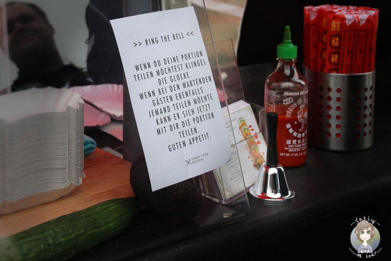 Essen teilen auf dem Street Food Festival, die Glocke an den Ständen