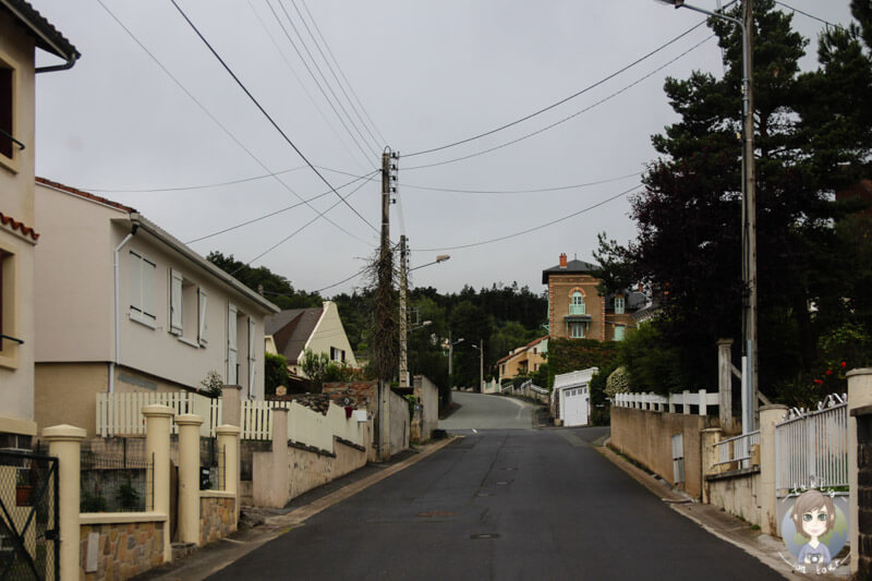 Auf dem Weg durch Châtel Guyon, Frankreich