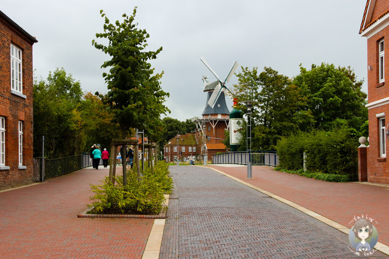 Blick auf die erste Mühle von Norden