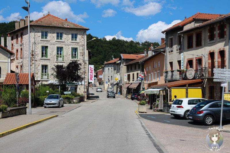 Auf der Fahrt durch Vorey, Frankreich