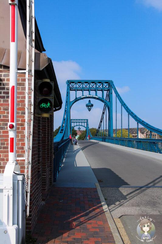 Das Wahrzeichen von Wilhelmshaven, die Kaiser-Wilhelm-Brücke