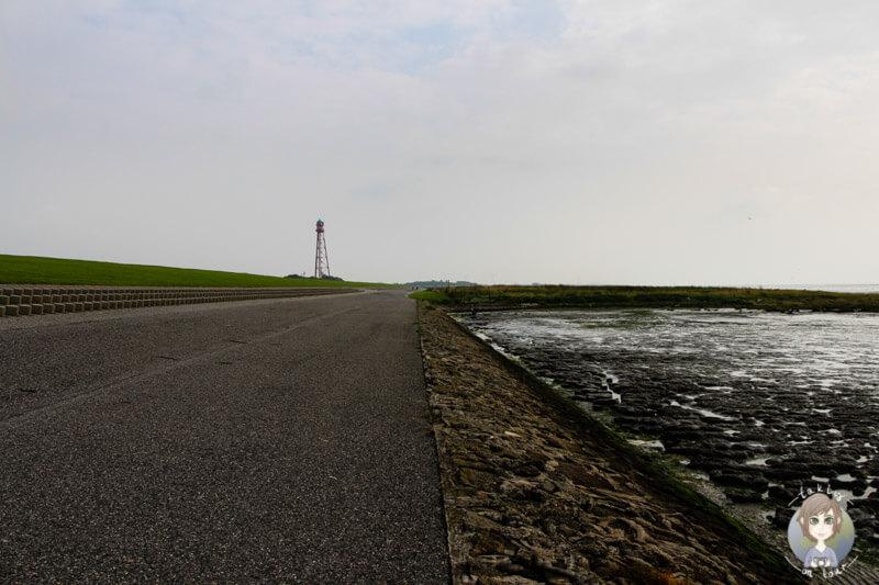 spaziergang-an-der-nordsee-in-campen-ostfriesland