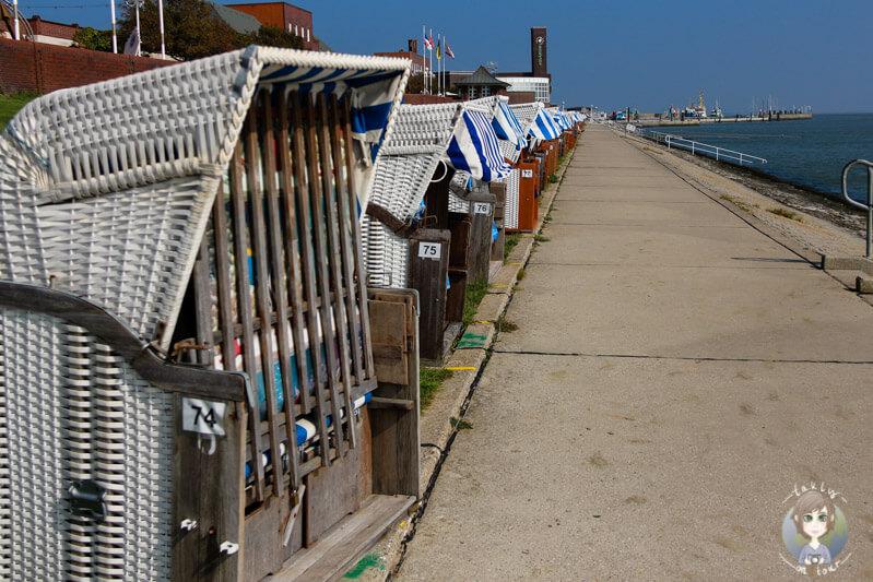 Strandkörbe an der Nordsee in Wilhelmshaven