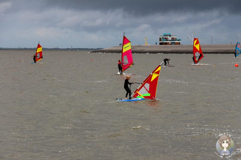 Surfen auf der Nordsee in Norddeich