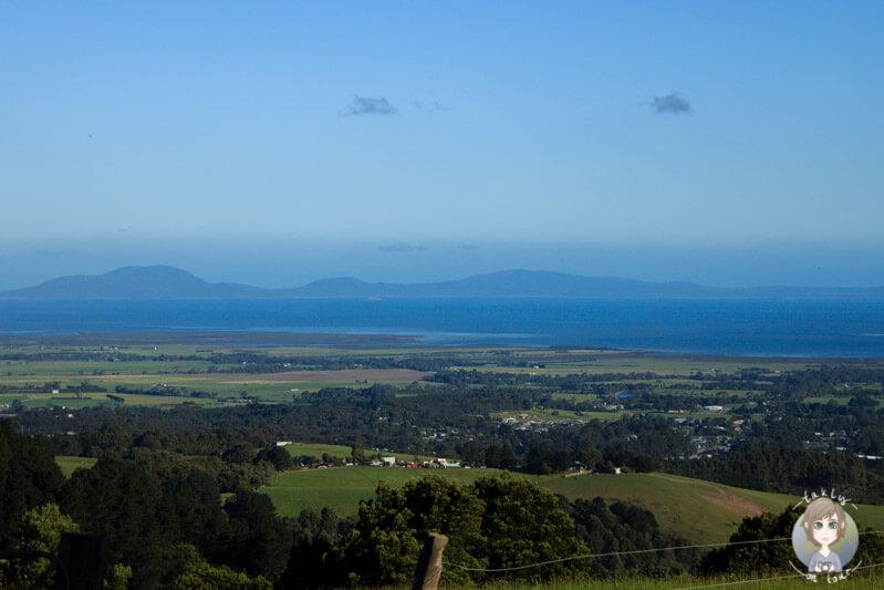 Ein weiter Blick über die Landschaft vor dem Scenic Lookout bei Foster, Victoria