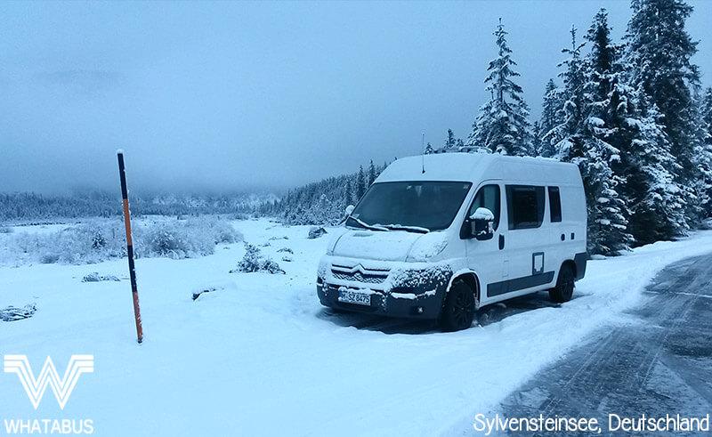 Mit dem Camper im Winter am Sylvensteinsee