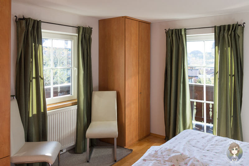 Ein Schlafzimmer in unserer Ferienwohnung in Oesterreich ist eine unserer Airbnb Erfahrungen