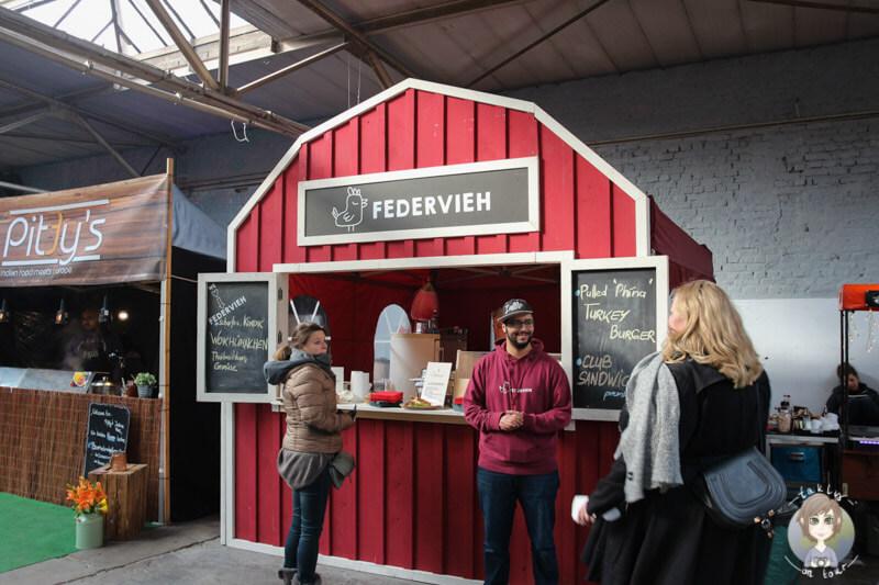 Der Stand von Federvieh auf dem Street Food Festival in Köln, NRW