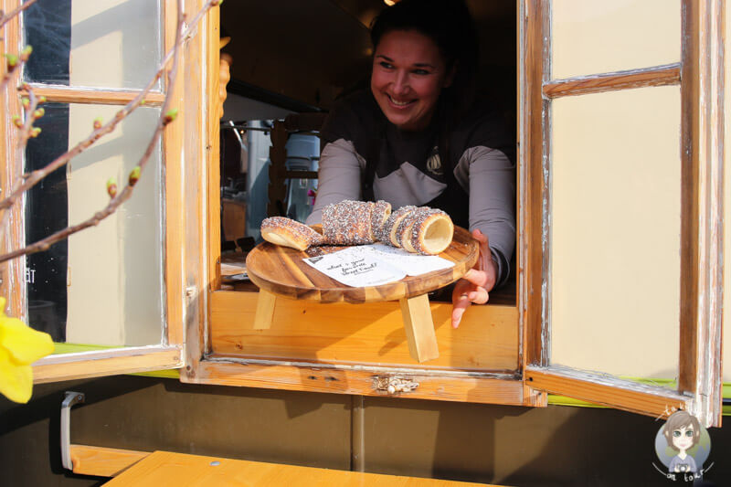 Leckere Baumstriezel an dem Stand der Baumstriezel Manufaktur auf dem Street Food Festival in Köln