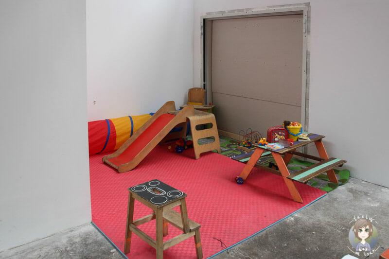 Spielecke für Kinder auf dem Street Food Festival auf dem Heliosgelände in Köln