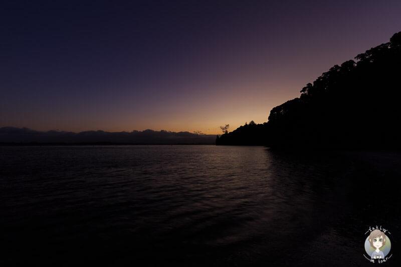 Sonnenuntergang in der Anzac Bay, Neuseeland