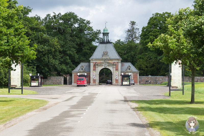 Haupteingang vom Knuthenborg Safaripark in Daenemark