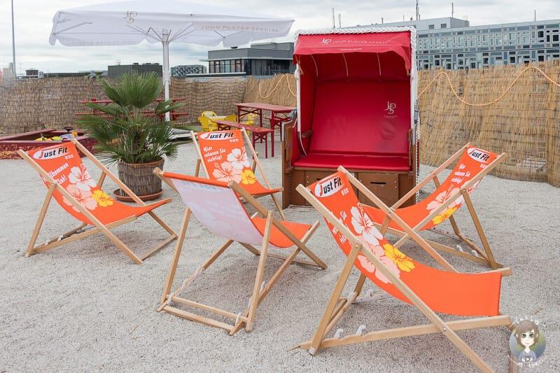 Beach Bar in Köln mit Blick auf Sehenswürdigkeiten