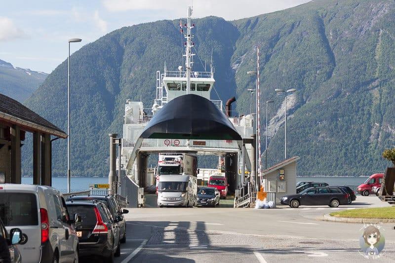 Mit der Fähre in Norwegen übersetzen