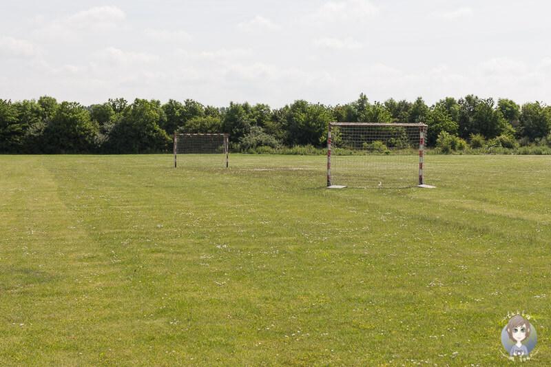 Fußballfeld auf dem Nakskov Fjord Camping
