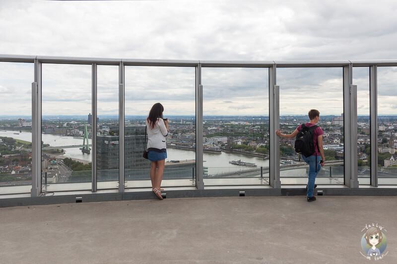 Panoramascheibe und Blick auf die Sehenswürdigkeiten in Köln
